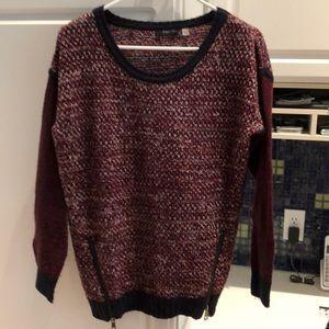 Navy/maroon acrylic sweater